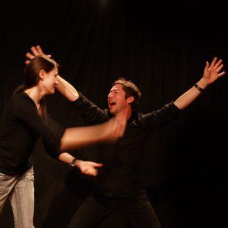 Cours d'impro et stages de théâtre à Paris : inscriptions