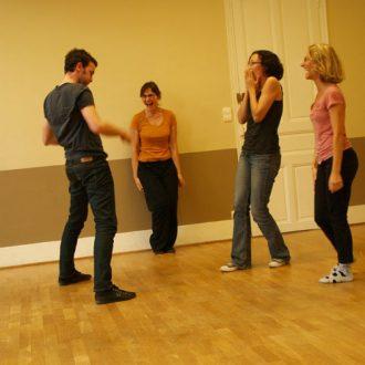 Tarifs et horaires de nos cours et stages de théâtre et d'improvisation